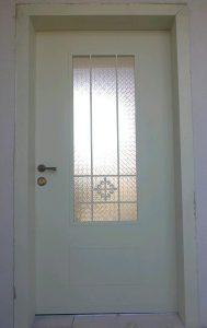 דלת כניסה זכוכית ברזל
